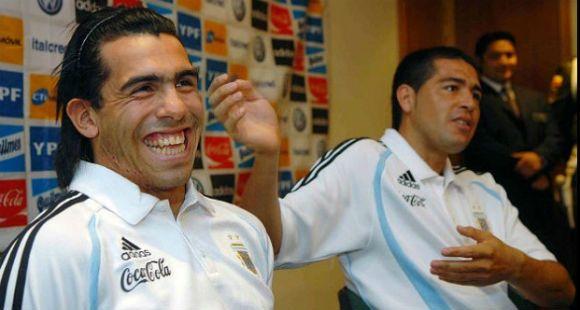 Riquelme confesó que quiere que Tevez vuelva a jugar en Boca