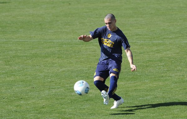 Schulze ya fue titular ante Quilmes y cumplió una buena tarea. Foto: S. Suárez Meccia.
