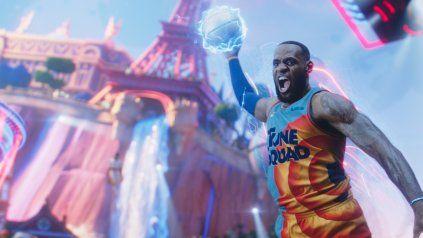 Finalmente, la estrella de Los Angeles Laskers LeBron James desembarca en el exitoso videojuego Fortnite.