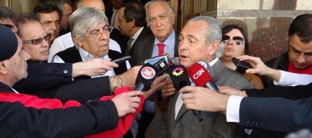 El presidente de la UCR dijo que el partido ya ha presentado proyectos de ley que reclaman lo mismo que las organizaciones de Moyano y Miceli.
