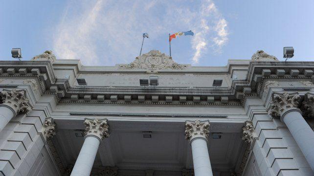 En la Legislatura provincial despunta un intenso debate sobre el futuro de Sain.