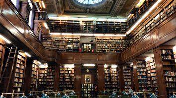 Un ámbito sagrado. La maravillosa biblioteca del Colegio Nacional de Buenos Aires, institución educativa donde trabaja Federico Lorenz.