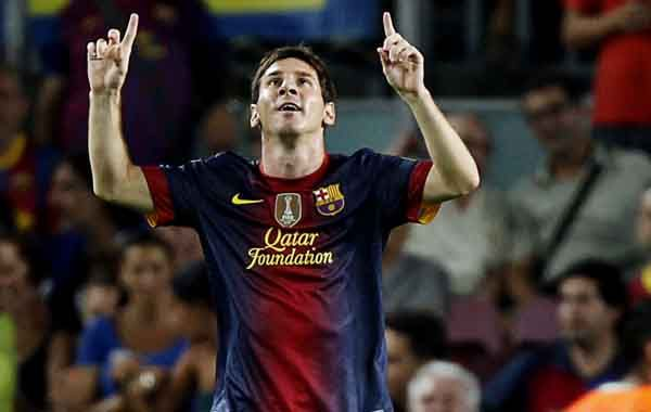 Doblete. La Pulga Messi celebra el segundo de sus goles.