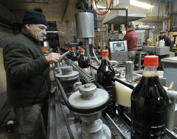 Concursos y quiebras. La compañía que elabora los jugos Trechel entró en queibra en 2013. Los trabajadores de la fábrica iniciaron el camino de conformar una cooperativa.