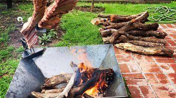 El fogonero, el nuevo elemento estrella para cocinar carnes asadas