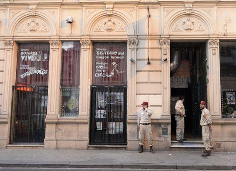 Café de la Flor. Ahí murió electrocutado el músico Ariel Rodríguez cuando tocaba con su banda Raras Bestias. (Silvina Salinas / La Capital)