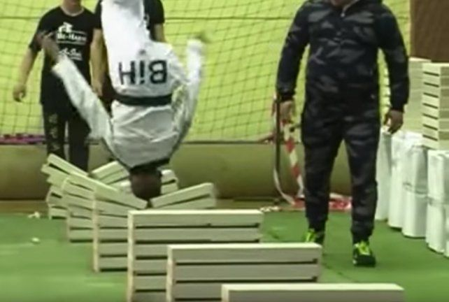 Kerim Ahmetspahic logró la proeza solo con su habilidad y su cabeza dura.
