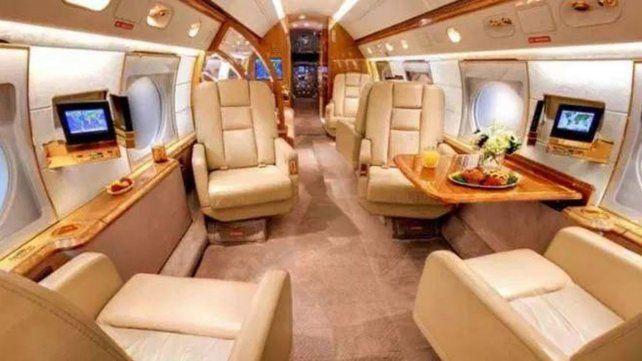 El interior del lujoso avión de Lionel Messi.