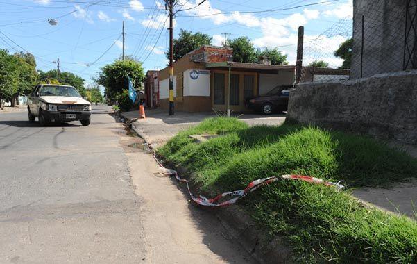 "violencia. El crimen de ""Charly"" Machuca ocurrió en Necochea al 3900. (N.Juncos)"