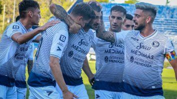Los goles del equipo cuyano los convirtieron el delantero Diego Cardozo de tiro penal (9 ), luego marcó el atacante Daniel Imperiale (46) y lo definió Pablo Palacio (82 ).
