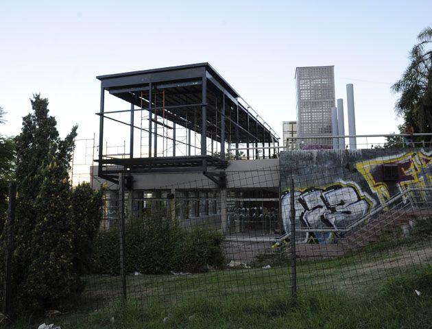 La Municipalidad estudiará si las obras que se realizan en el parque Urquiza están fuera de la concesión. (Foto de archivo)