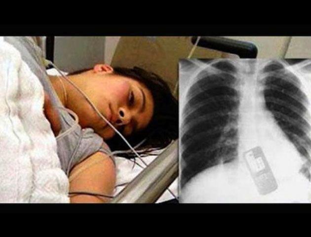 Imagen de la joven ingresada en el hospital.