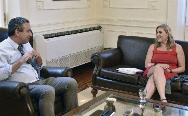 El intendente Javkin y la concejala Gigliani se reunieron hoy en el despacho de la Intendencia.