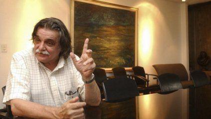 González tuvo un vínculo muy fuerte con académicos rosarinos en su paso por la Universidad Nacional de Rosario.