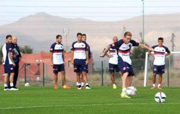 Postales. El plantel azulgrana entrenó en Marrakech a la espera de su primera presentación en el torneo internacional.