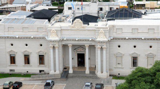 La Legislatura santafesina debatirá el dictamen por la destitución de Blanco.