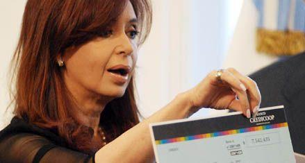 Cristina apuró a empresas y gremios para encarrilar la discusión salarial