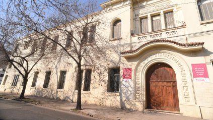 El histórico edificio del Laprida al 2100 donde se alojaban niños en custodia. Uno de ellos fue víctima de los abusos de los celadores.
