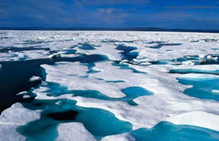Las capas de hielo en el Artico de derriten a pasos acelerados.