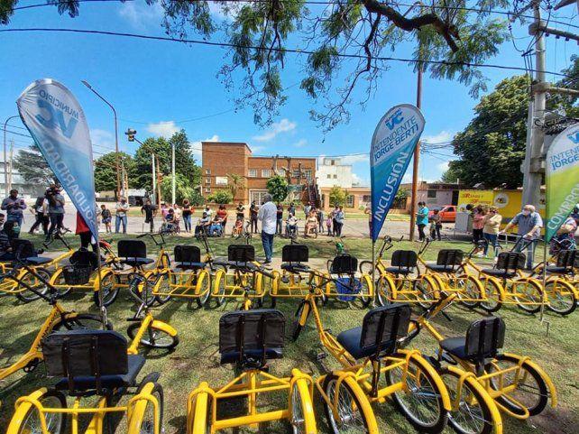 Las 20 bicicletas fueron entregadas en la Plaza Inclusiva Estanislao López