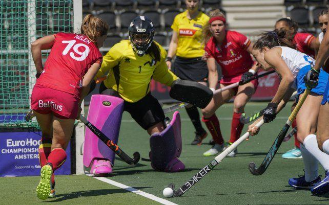 Partido de hockey sobre césped del grupo B femenino entre Bélgica e Italia en el Campeonato EuroHockey 2021 en Amstelveen
