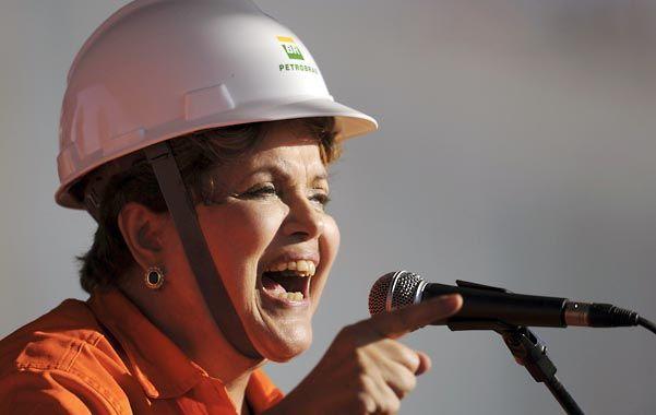 Con el casco puesto.Dilma no toleró la intromisión de Washington en sus e-mails.