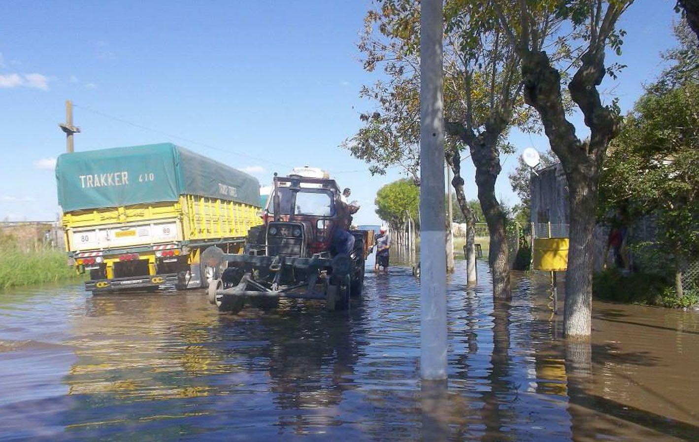 La obra evitará el anegamiento del pueblo de La Chispa y la zona.