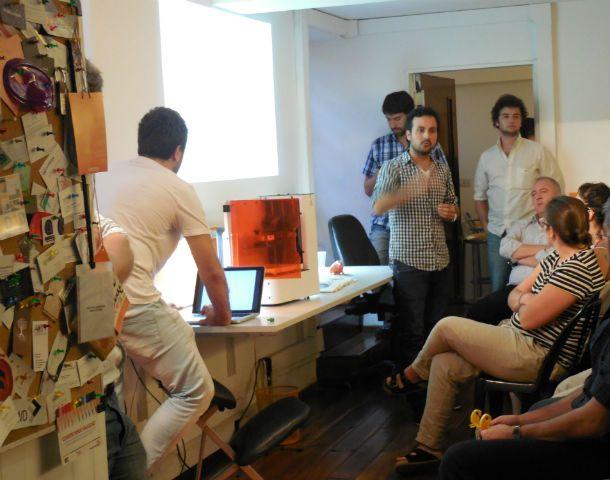 Vazhnov y su socio Facundo Imas Anania presentaron su libro en Rosario.