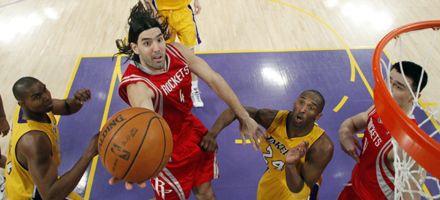 NBA: Houston Rockets, con buena tarea de Scola, sorprendió a los Lakers