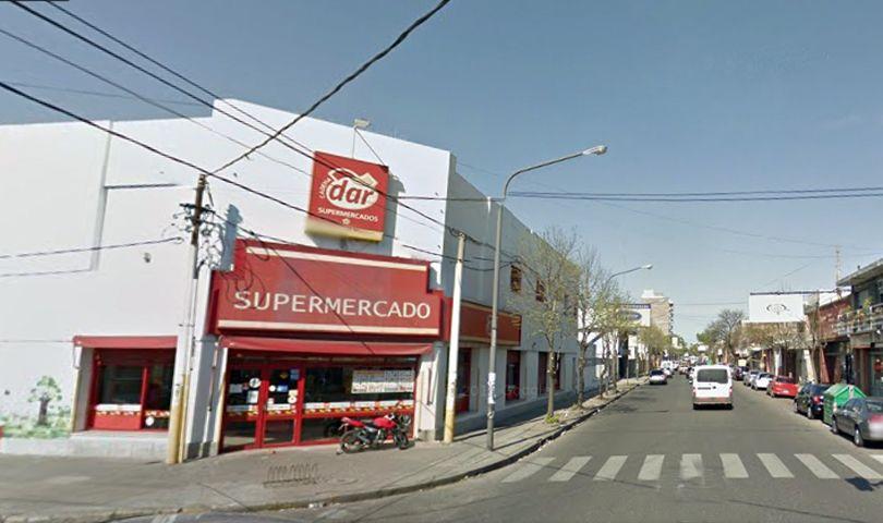 El supermercado está ubicado en Gutenberg y Eva Perón.