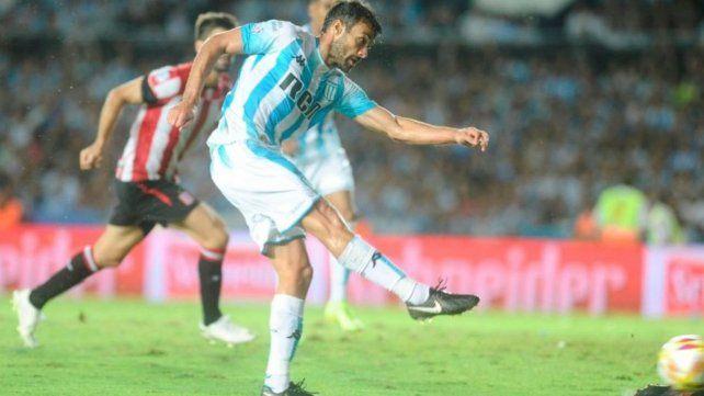 Antecedente. Cvitanich marcó el gol del triunfo de la Academia en la Superliga.