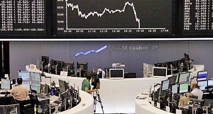 Se derrumbaron las Bolsas por la crisis de deuda y política en Europa