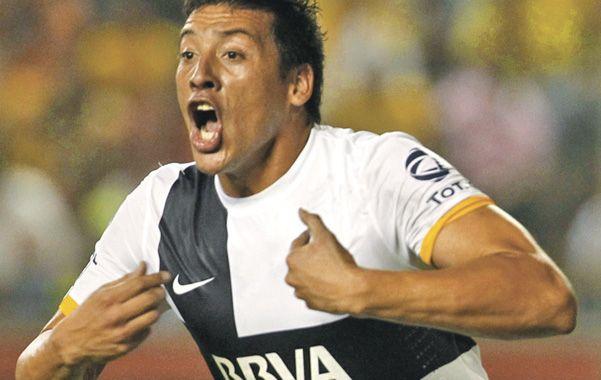 Acá estoy. Claudio Pérez es el elegido para jugar como marcador central.