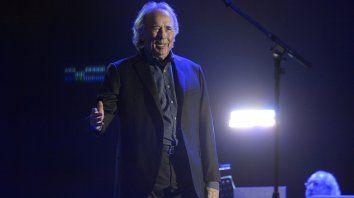 Gracias por el homenaje. Serrat, en su última presentación en Rosario, en octubre de 2018, en Metropolitano.