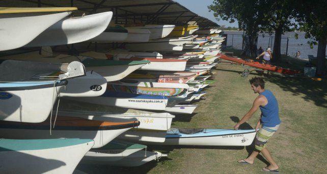 Se estima que en la ciudad hay unas 8 mil piraguas y kayaks, un segmento que preocupa a las autoridades.