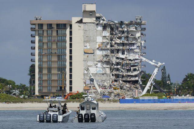 La torre que no colapsó amenaza hacerlo