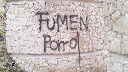 Vandalismo recurrente en el anfiteatro de Paraná