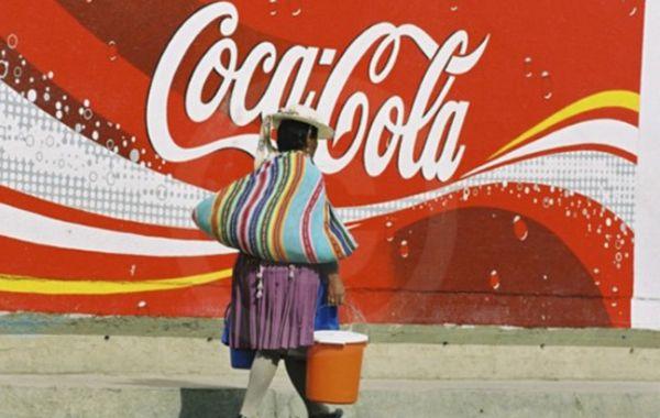 Coca Cola tiene una fuerte presencia en América latina. El ajuste no afectará a las embotelladoras