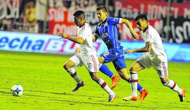 Titular. Víctor Figueroa continuará como conductor leproso. En el choque de copa entró por Sarmiento.