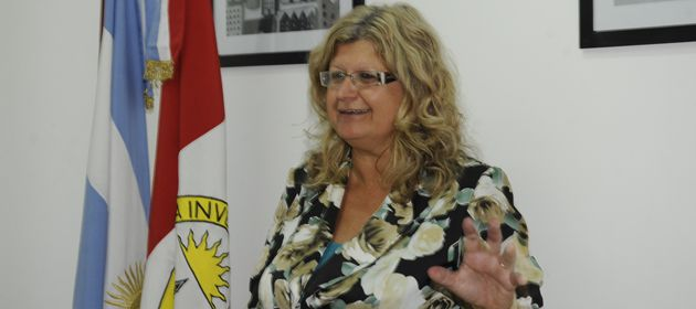 La ministra Claudia Balagué valoró el trabajo que día a día realizan en la aulas los docentes.