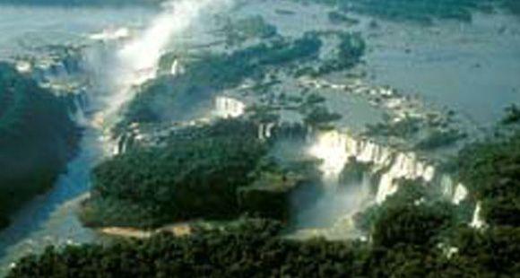 Cataratas del Iguazú impresionan a los electores de las Nuevas 7 Maravillas