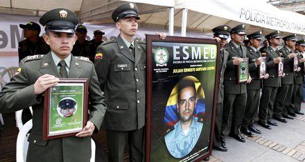Las Farc prometen renunciar a los secuestros y liberar uniformados