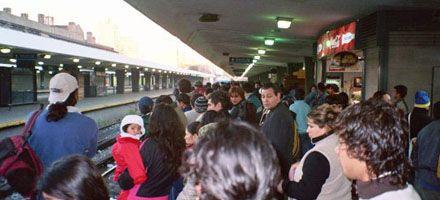 Pánico y 31 heridos al accidentarse un tren cerca de la estación Once