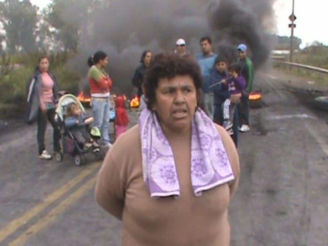 Tres cortes por reclamos sociales y gremiales complicaron el tránsito en el centro y en la zona sur de Rosario