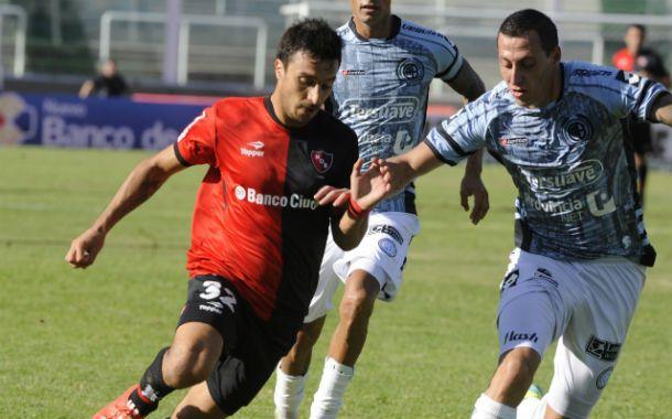 De regreso. Nacho Scocco ingresará por Figueroa tras faltar por lesión  ante Unión.
