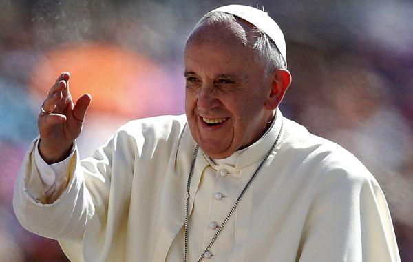 El Papa Francisco convoca desde Twitter a un ayuno y a rezar por la paz