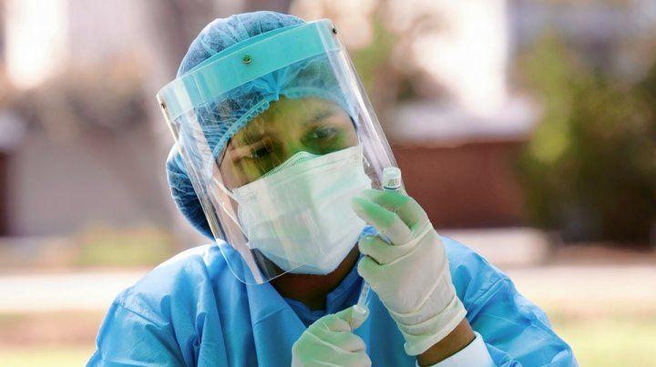 La campaña de vacunación alcanzaría a 5 millones de argentinos por mes.