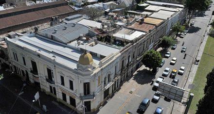 En el área de protección histórica de Córdoba al 3200 reina el abandono