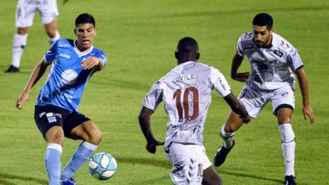 En la cancha de Newells, Chocho Llop llevó a Platense otra vez a Primera