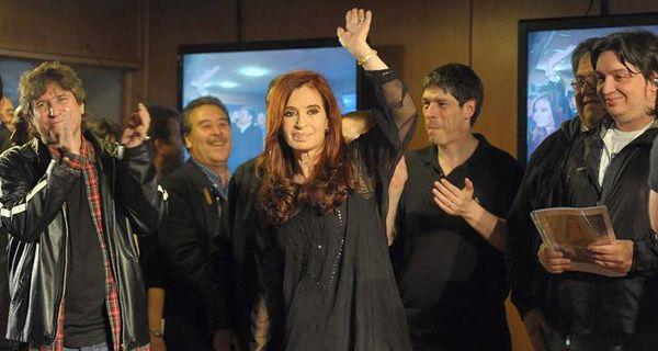 Cristina arrasadora; Binner, segundo y a 36 puntos del oficialismo